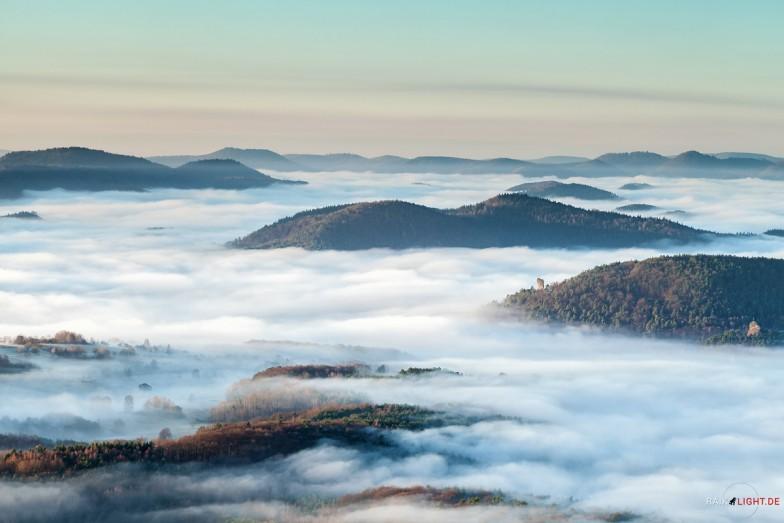 Deutschland Pfalz Rehbergturm Winter 2014 Nebel