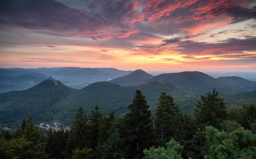Rehbergturm am Morgen, Annweiler, Pfälzerwald