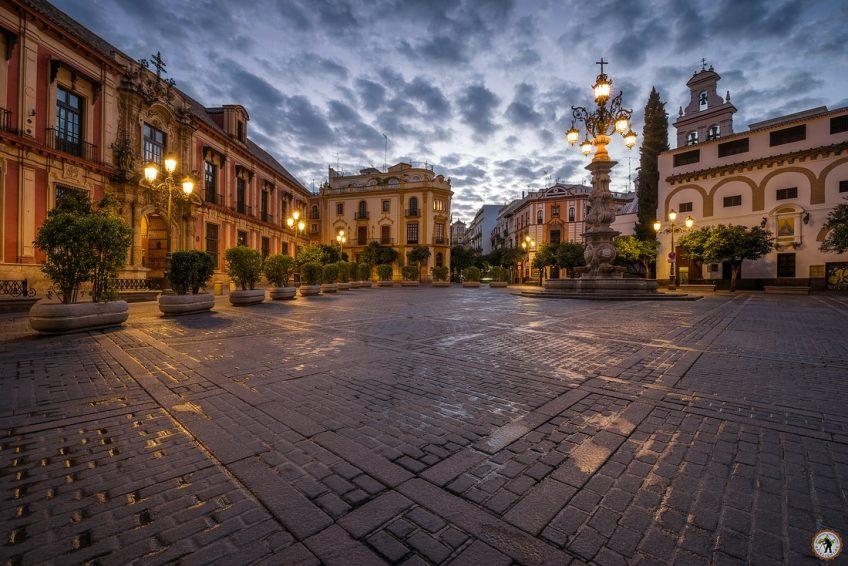 Sevilla Plaza Virgen de los Reyes