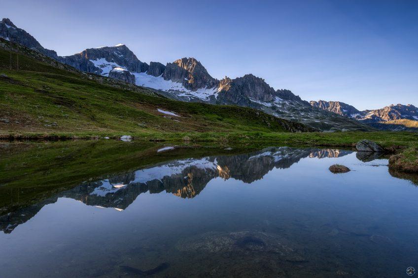 Furkapass Spiegelung Bergsee